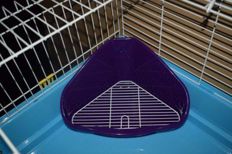 TP  sarok WC ráccsal kisemlősöknek  35X24X19 cm/lila