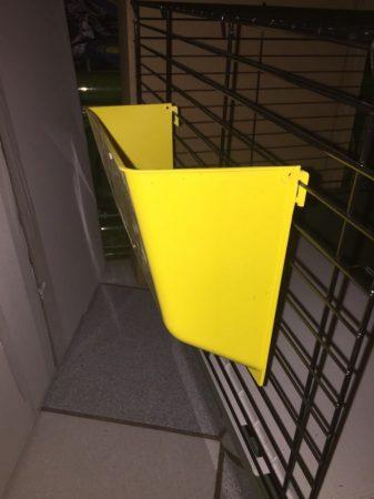 Ferplast műanyag szénatartó/sárga